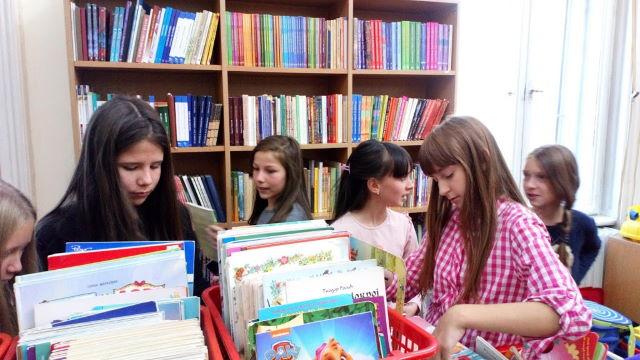 У-библиотеци-Чика-Јова-Змај